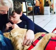 Cane e bimbo autistico