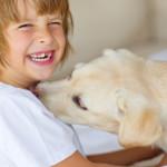 Come coinvolgere i bambini nella cura del cane